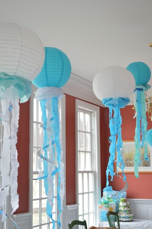 Paper Lanterns Make Great Jellyfish Centerpieces For Under The Sea
