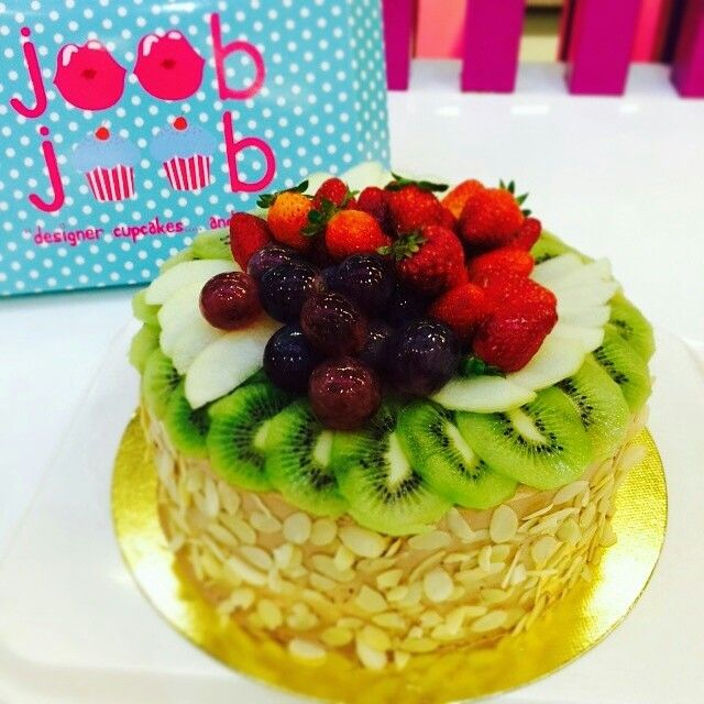 Birthday Cakes And Fruits On Top Birthday Cakes Pinterest