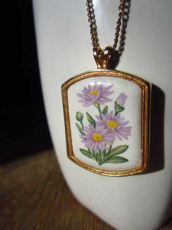Vintage Avon Aster Flower Pendant Necklace By Thriftstoreshoppe 20 00 Vintage Avon Avon Jewelry Flower Pendant