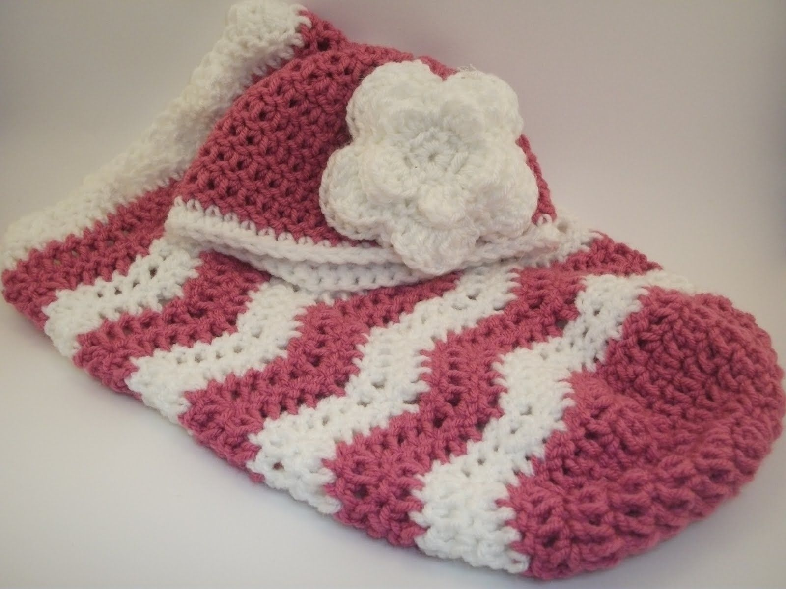 free crochet patterns for babies | Baby Cocoon & Hat | Crafts To Do ...