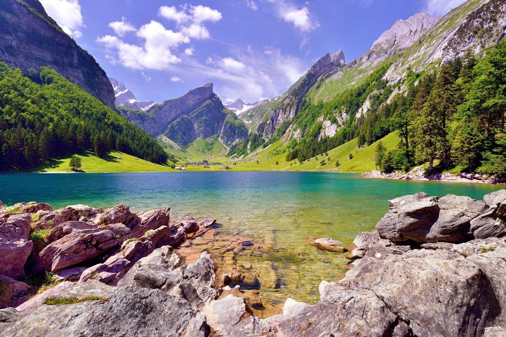 Bergsee in der Nähe vom Säntis in der Schweiz. Urlaub
