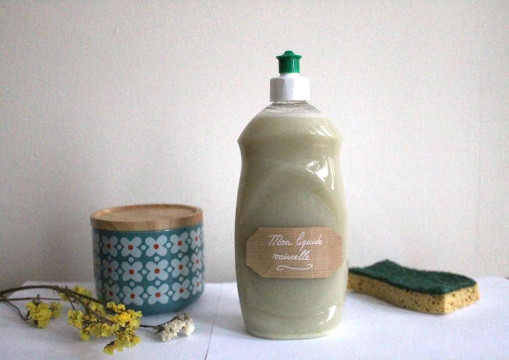 diy je fabrique mon liquide vaisselle cologique modesettravaux liquide vaisselle et diy. Black Bedroom Furniture Sets. Home Design Ideas