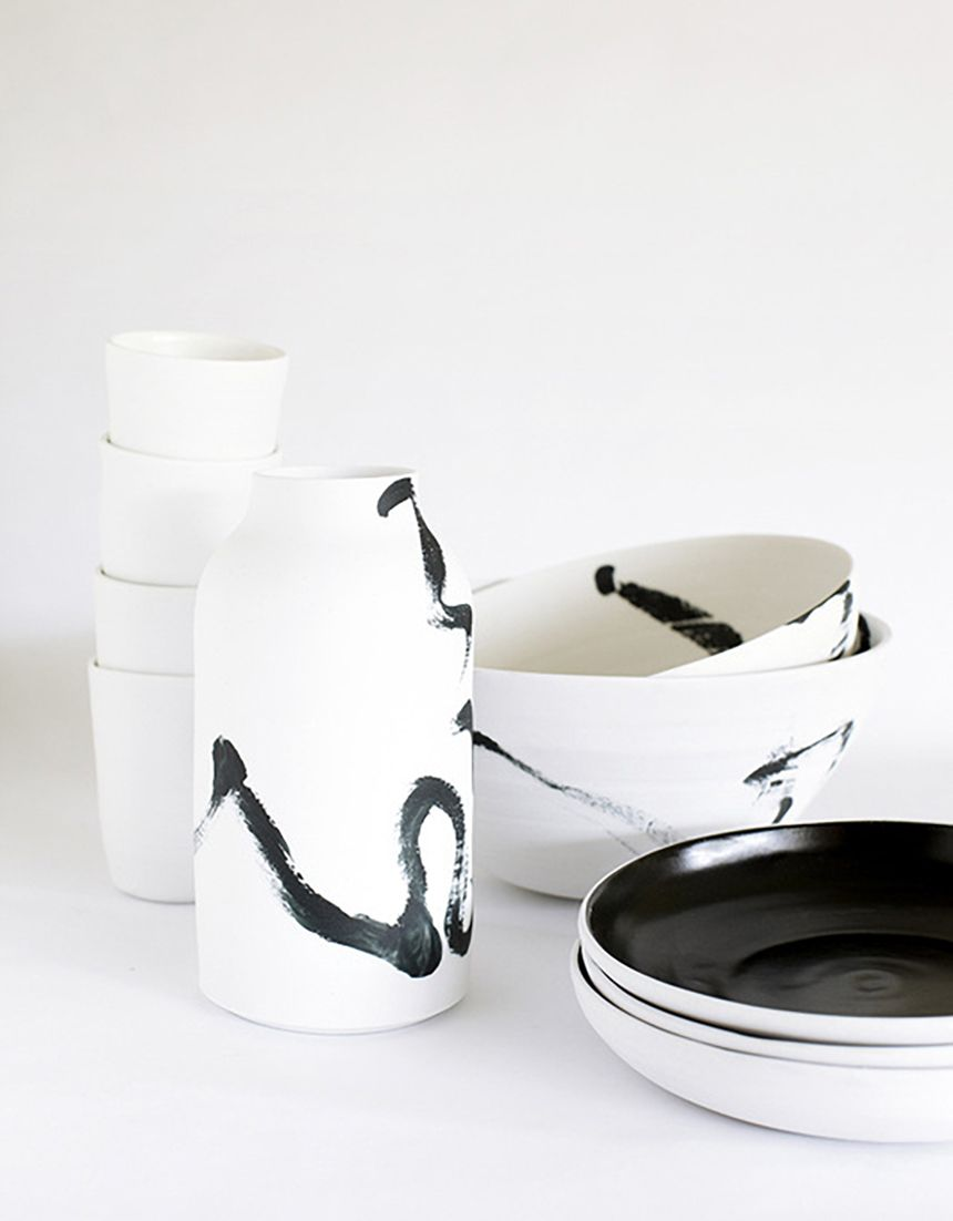 H K Blog Ceramics Ceramics By Andrei Davidoff Characterised By Beautiful Graphic Brushwork His Pieces Are Delicate Ceramics Ceramic Tableware Ceramic Pottery