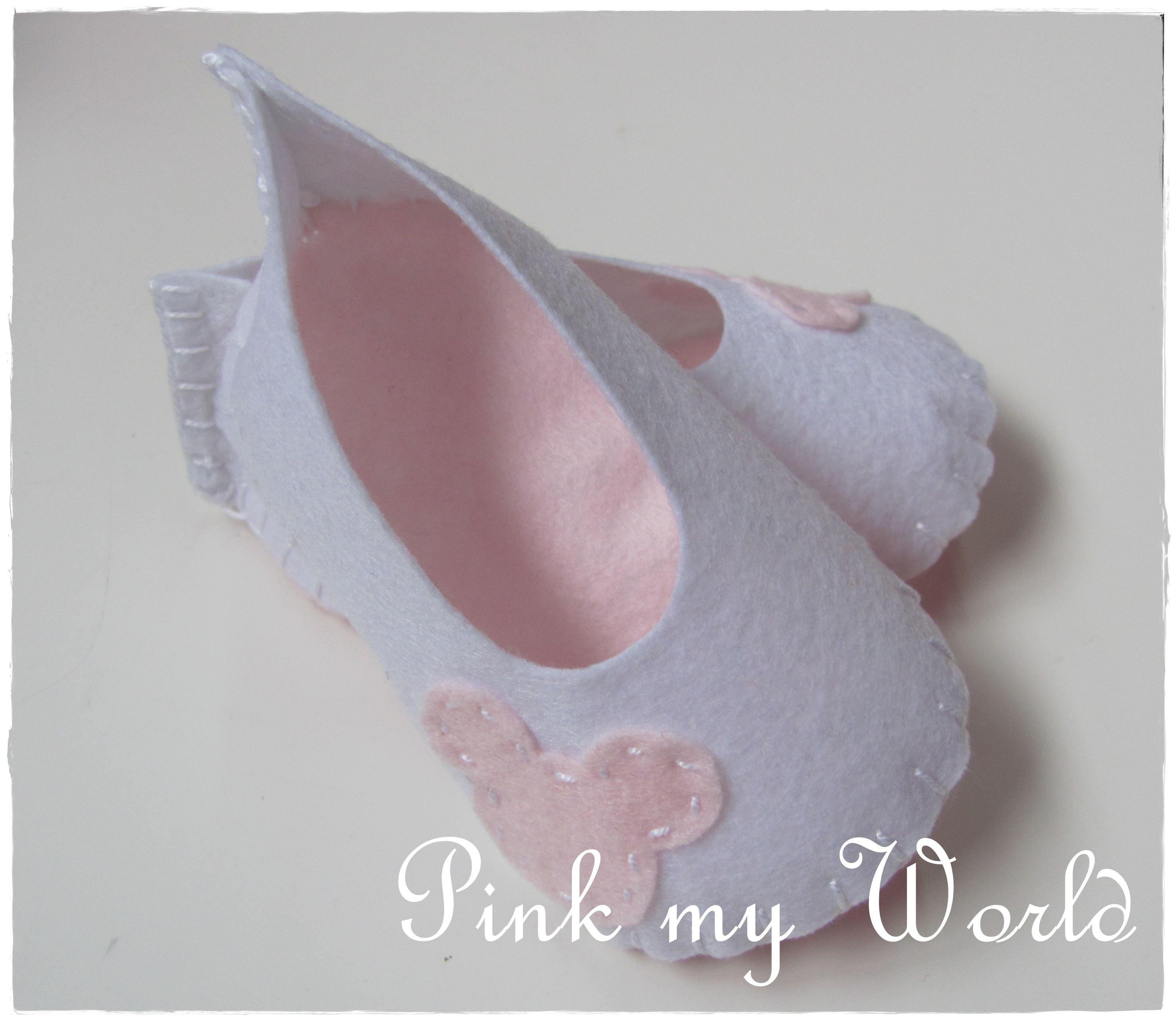 Sapatinhos de feltro Baby felt shoes