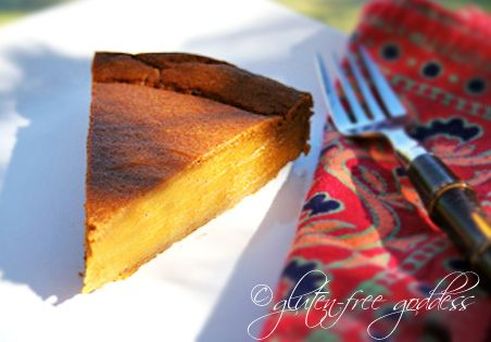 This gluten free pumpkin pie is deliciously easy to make