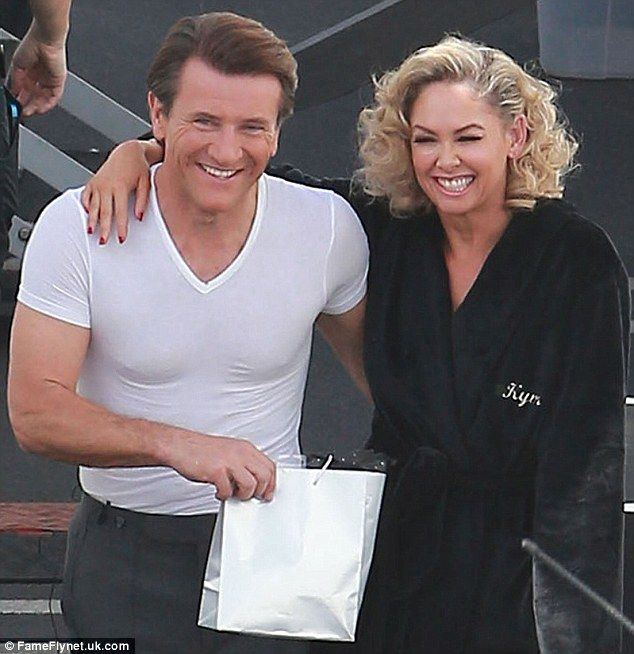 Dancing With The Stars Kym And Robert: Robert Herjavec And Kym Johnson Cuddle Up Amid Romance