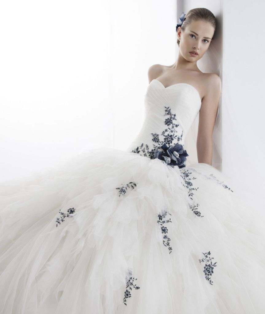 24ea4ea4b365 Vestiti da sposa blu e bianchi – Modelli alla moda di abiti 2018