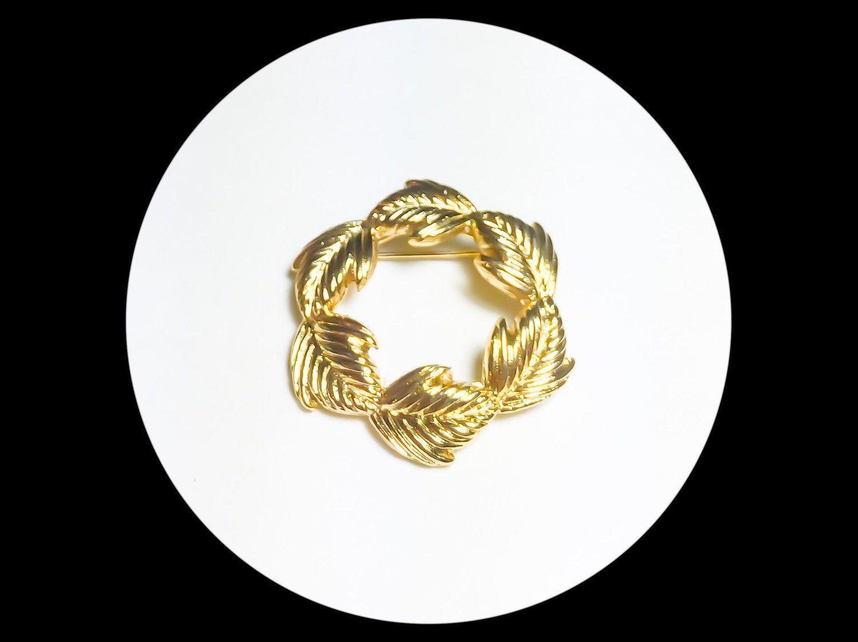 """Gold Plated Leaf Wreath Pin Brooch   Shiny Gold Wreath Brooch   5cm   1.9""""   Medium Sized Brooch   Gift Ideas"""