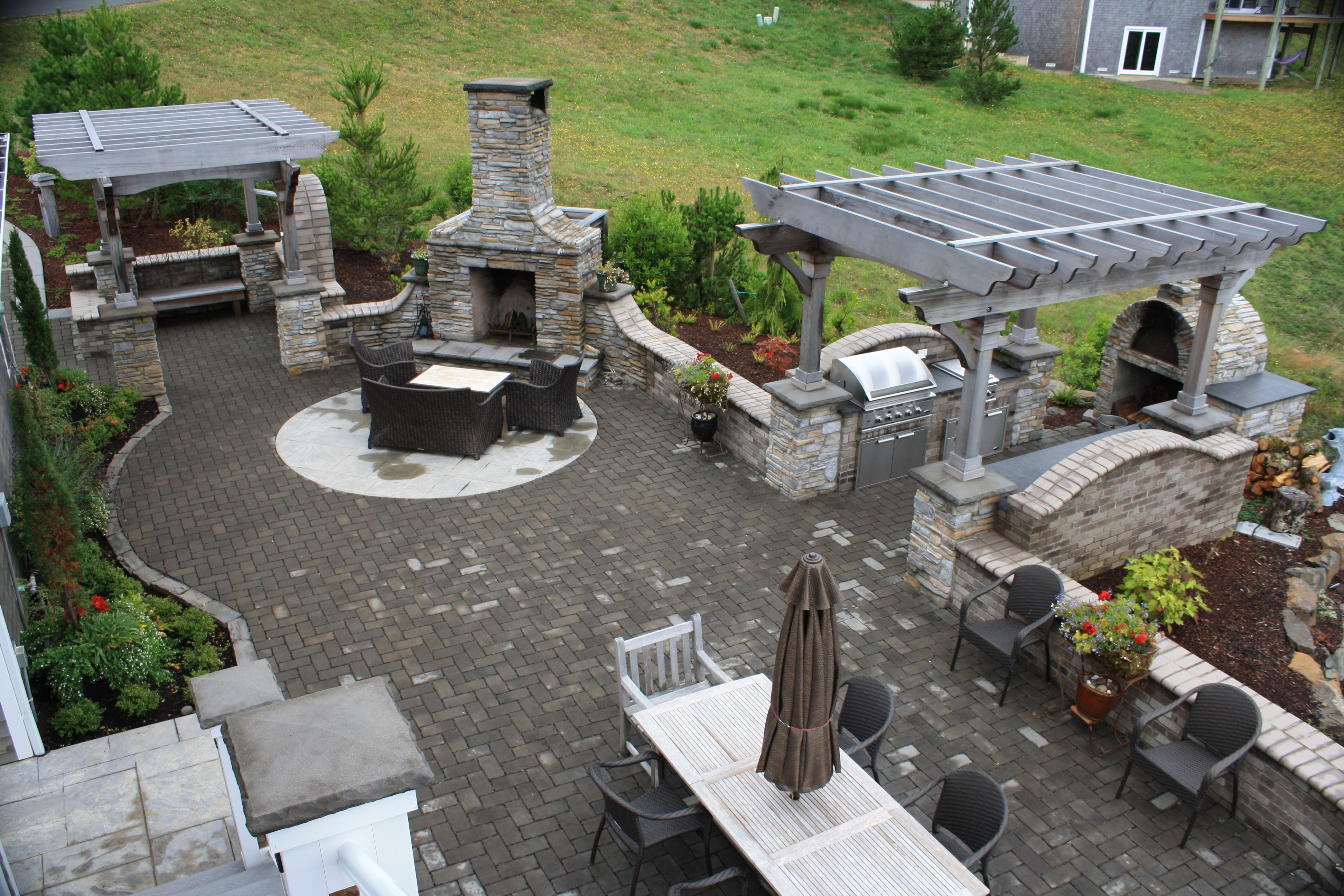 Complete Outdoor Kitchen Permeable Paver Patio Complete Outdoor Kitchen With Pizza Oven