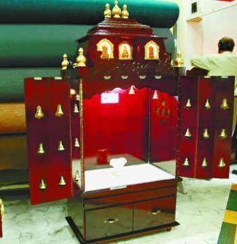 Puja room design home mandir lamps doors vastu idols for Decoration kaise kare
