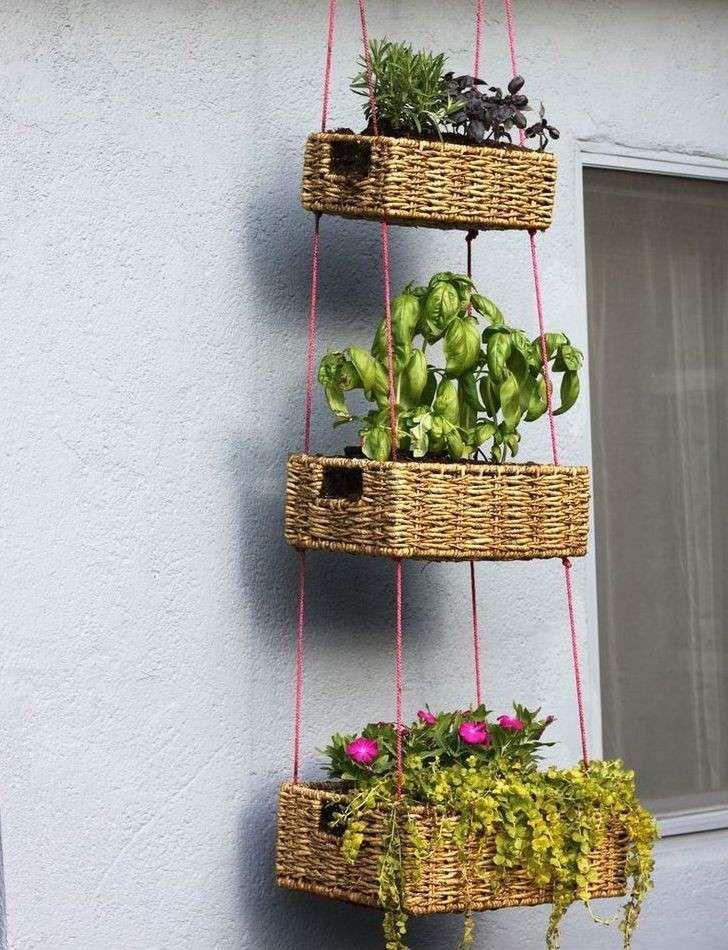 Decorare la casa con i cesti   Idee giardino, Appendere le ...