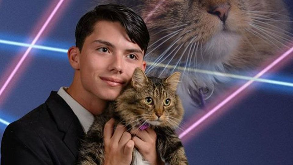 Student Fulfills Dream of Taking Yearbook Photo With His Cat