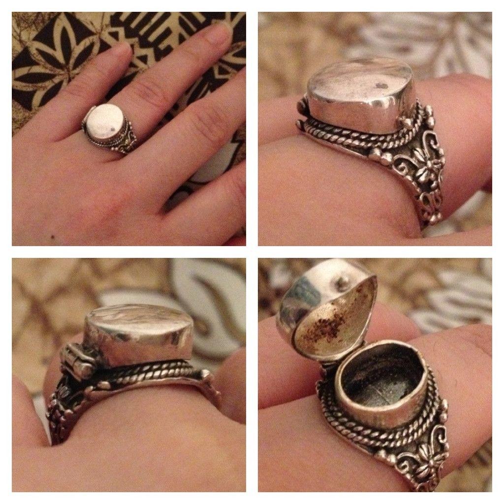 "antique "" poison""  ring"