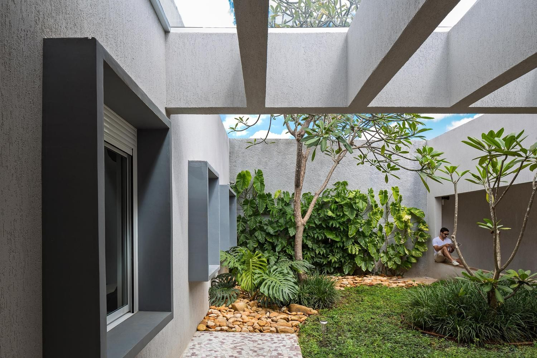 Galeria De Resid Ncia Mc15 Rodrigo Biavati 6 Garden Entrance  # Muebles Rohan Guadalajara