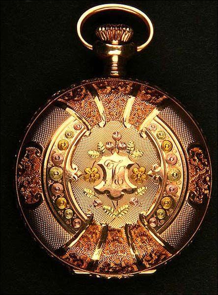5b1360683cdd Espectacular reloj de bolsillo antiguo en oro macizo de 3 colores. Tres  tapas… Más