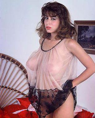 Lisa robin kelly topless