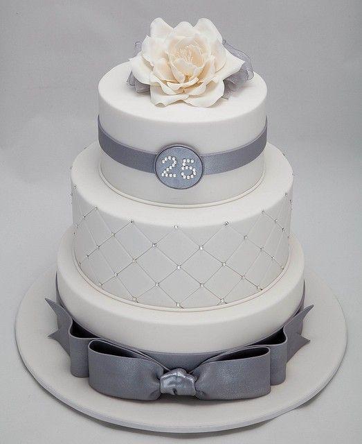 25th Wedding Anniversary Cake Ideas: What An Elegant 25th Wedding Anniversary Cake. Love The