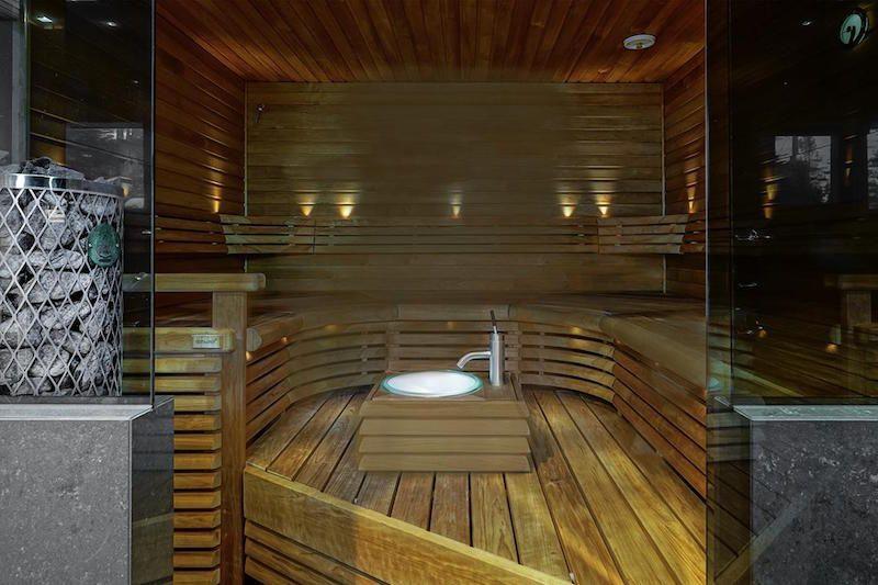 ylellinen-omakotitalo-sauna
