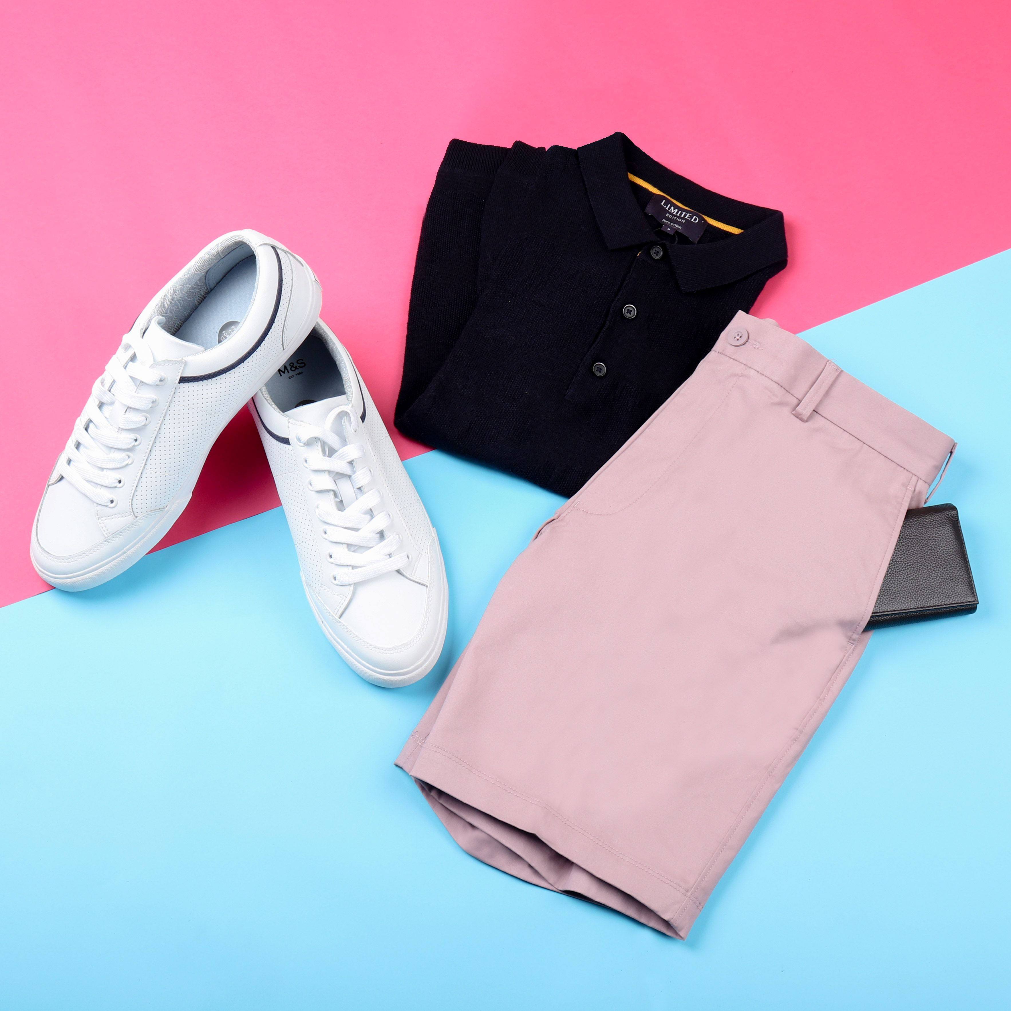 2a5129e0ec2 Top  Pure Cotton Leaf Design Knitted Slim Fit Polo Shorts  Cotton Rich  Chino Shorts with Stretch Wallet  Leather Slim Bi Fold Card Wallet with  Cardsafe™ ...