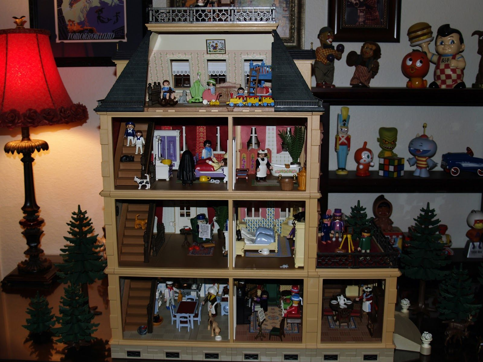 Pop Circus Show & Tell Our Playmobil Victorian Dollhouse, A