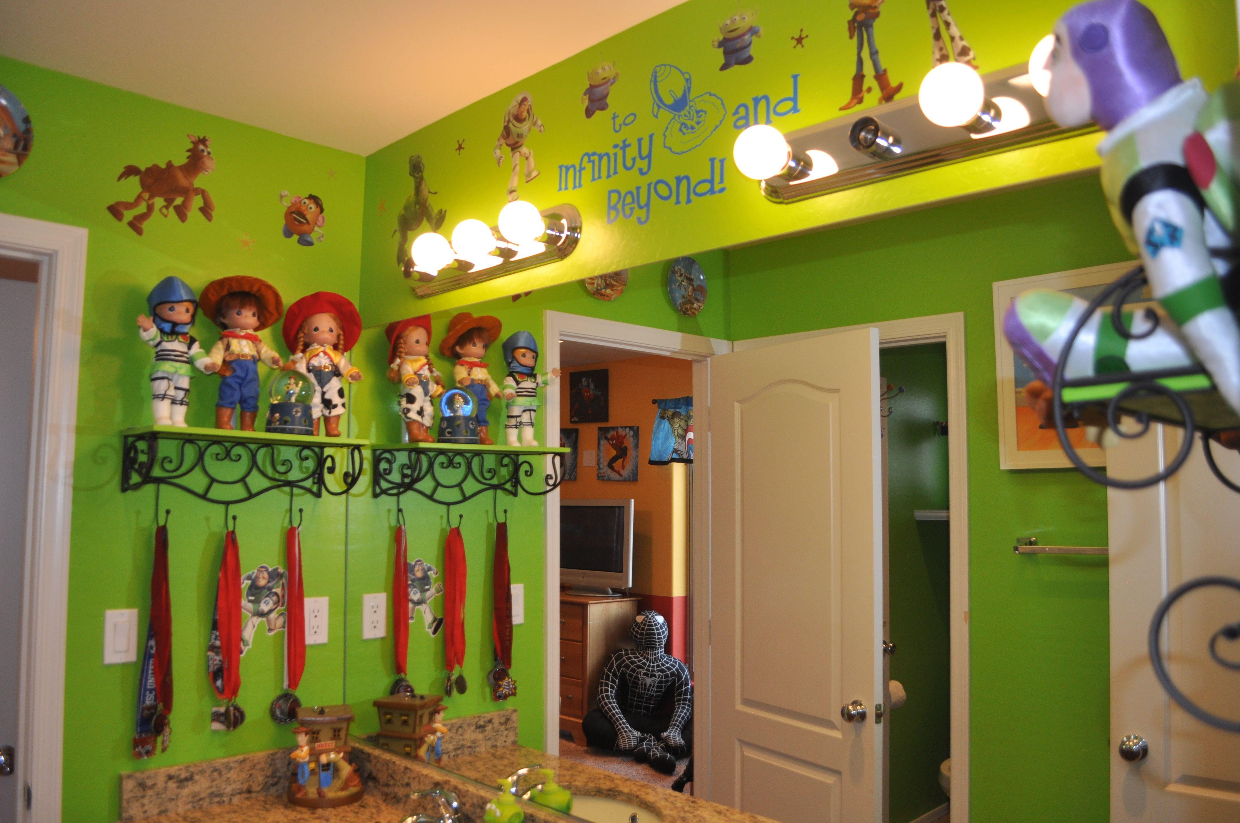Toy Story Bathroom; Disneyland Www