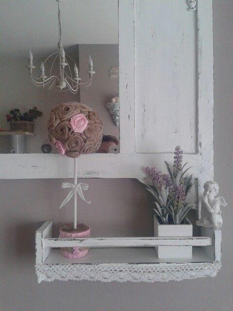 Bomboniere S. Cresima realizzate con vasetti coordinati alle rose di tulle nei colori rosa, verdi, gialle, azzurre, pesca. Qui rosa e con le rose di iuta di due diverse tonalità.