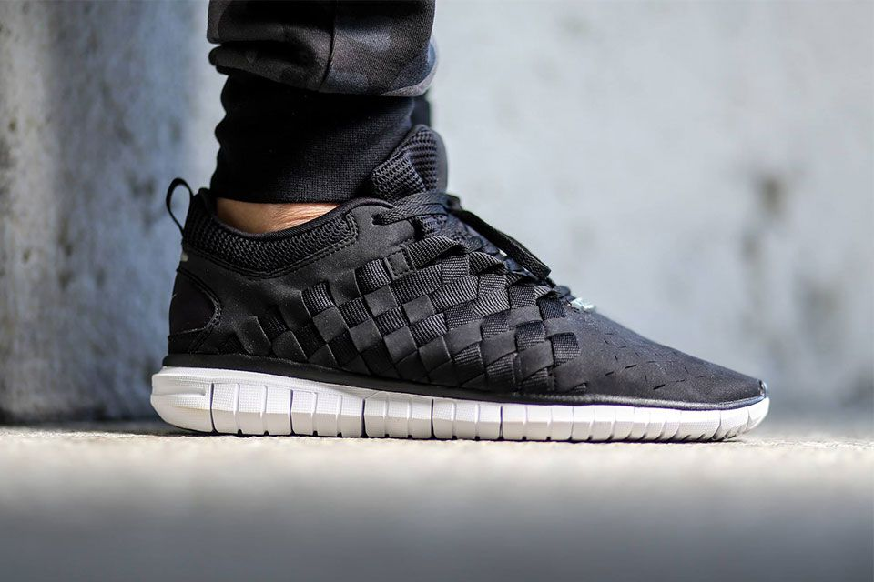 nike free og 14 woven trainers academy