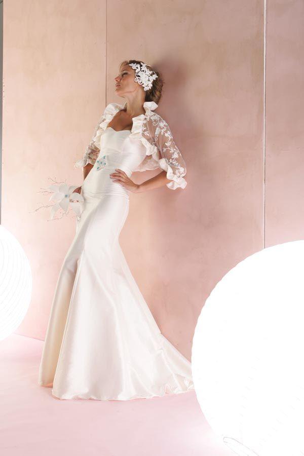 vestido de novia realizado en taftan de seda natural, con torera en ...