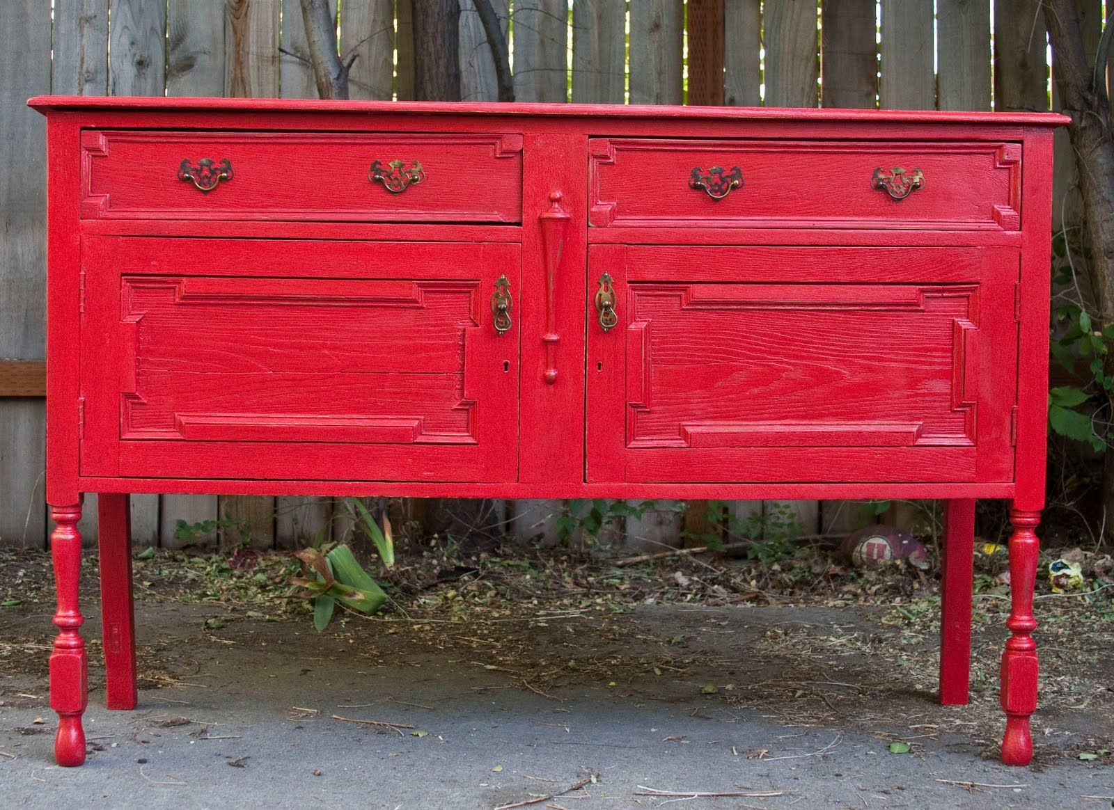 Modernly Shabby Chic Furniture: This Buffet Table Is Extremely Old, Yet  Still Extremely Sturdy