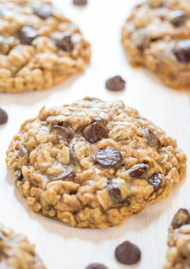 De bedste Havregryn Chocolate Chip Cookies - Bløde, sej, lastet med chokolade, og de viser sig perfekt hver gang!  Helt uimodståelig !!