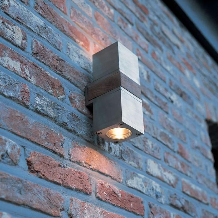 Appliques Extérieures, Belle Lampe Rectangulaire Fixée Au Mur En Briques