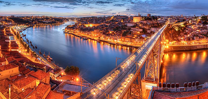 Porto Rio Dorado Es Una Ciudad Encantadora Ubicada En Las Costas Del Río Duero En Portugal Debido A La Belleza D Viajes En Crucero Cruceros Fluviales Oporto