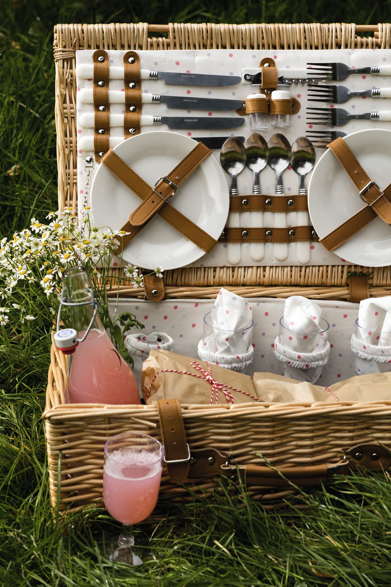 a beautiful picnic hamper ready to feed four people on a hot summer 39 s day matchmade home in. Black Bedroom Furniture Sets. Home Design Ideas