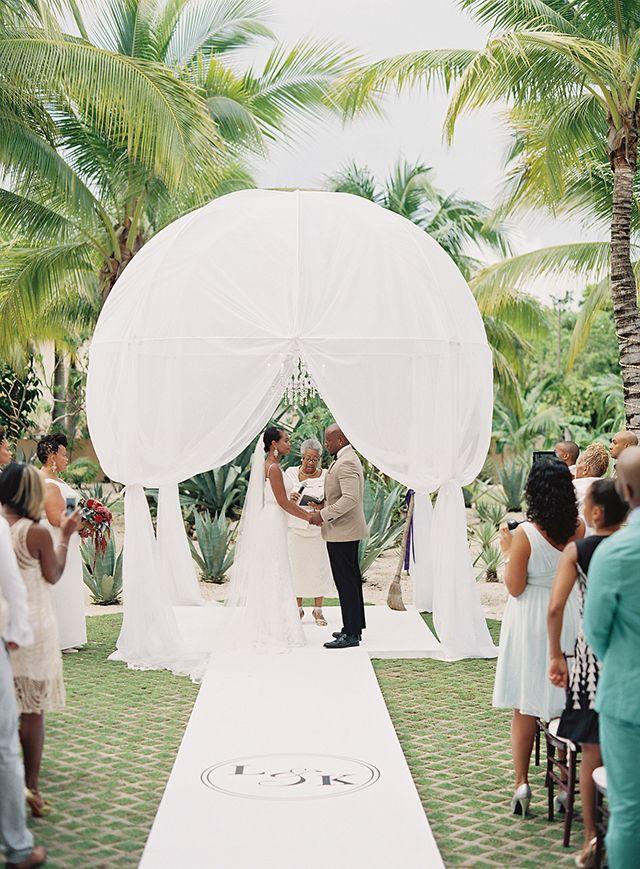 379a2b6ef6 Romantic Chic Beachfront Wedding in Aventuras, Mexico: Lori + Kaci ...