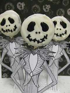 in this version of the Jack Pops, the blogger used oreo cookies that she decorated - from Fairytale Frosting