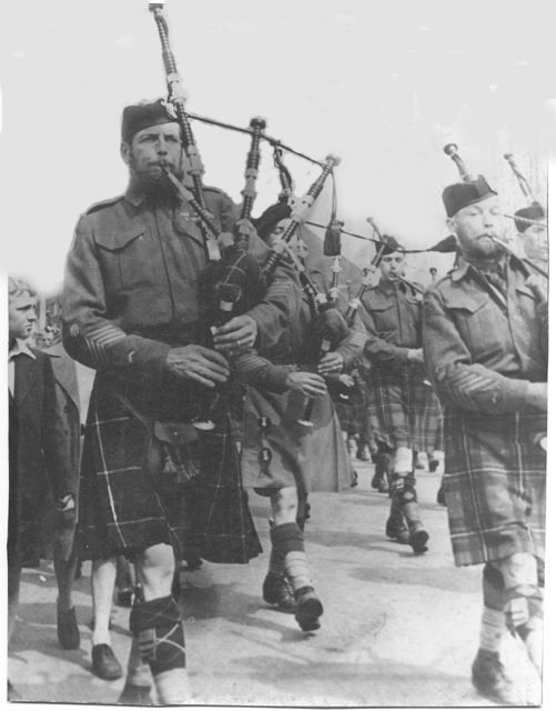Pin by Steven Coe on Kilts in 2019 | Canadian soldiers, Canadian