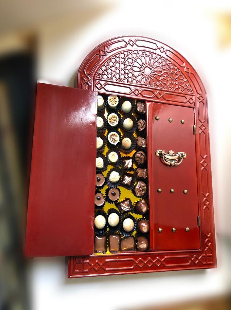 Traditional Door Sweet Box Also Suitable For Gifts Or Photo Frames باب تراثي خشبي كصندوق حلويات ويصل In 2020 Louis Vuitton Monogram Monogram Pattern