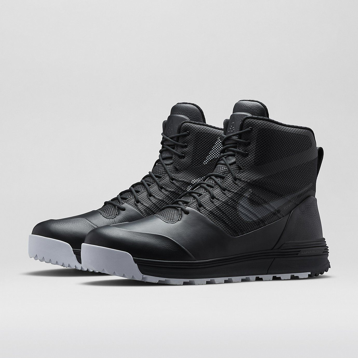 the latest fcf58 1b9d6 Nike Store The 2013 Lunarterra Arktos is updated this 2014 season with the  NikeLab ACG Lunarterra Arktos.