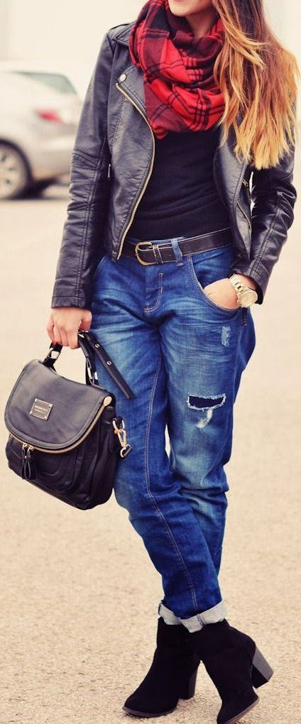 Will probably have to try something like this with my boyfriend jeans and Cato moto jacket this winter.