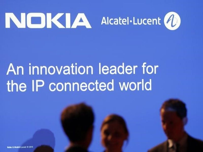 Nokia bid for alcatellucent goes through french