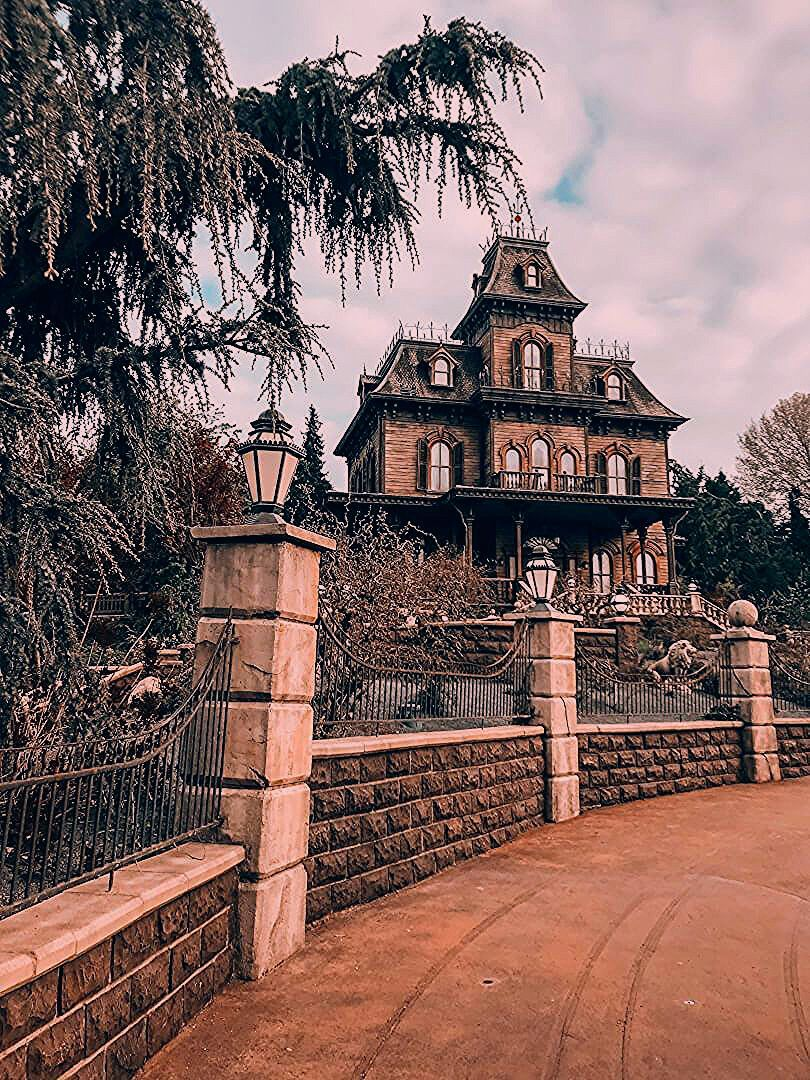 Photo of Newly renovated Phantom Manor at Disneyland Paris will knock your socks off! | Inside the Magic