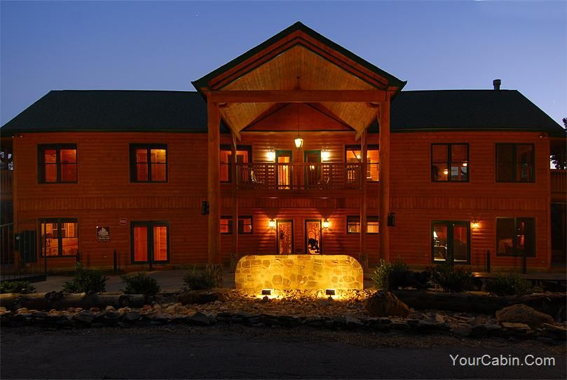 Gatlinburg Amazing Grace U2022 Eight Bedroom Ten Bath Luxury Cabin That Sleeps  Twenty Five.