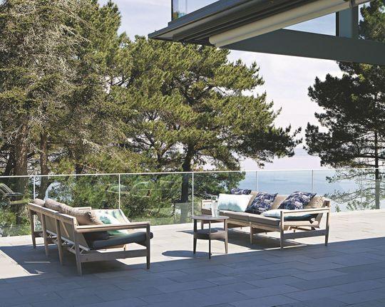 terrasses avec vue et soleil parues dans le magazine c t. Black Bedroom Furniture Sets. Home Design Ideas