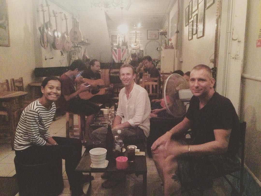 #overallbar #livemusic #ดนตรสด #folkmusic #jamnight #drink #food by overall_music https://www.instagram.com/p/BD7Y4_XDj6U/ #jonnyexistence #music