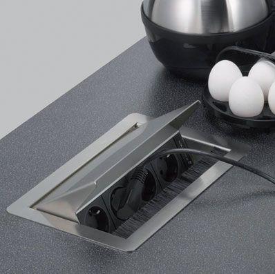 Kücheninsel mit rausfahrbarem Mehrfachstecker Ausgestaltung