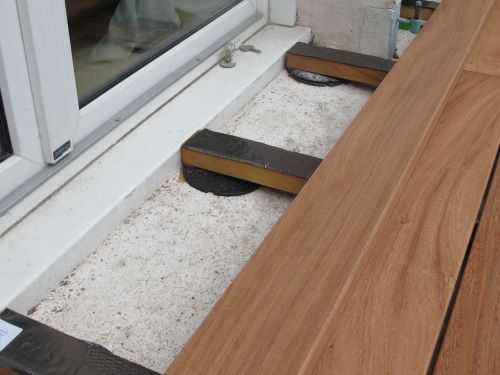 Plots PVC et cales pour monter ma terrasse en bois Deck