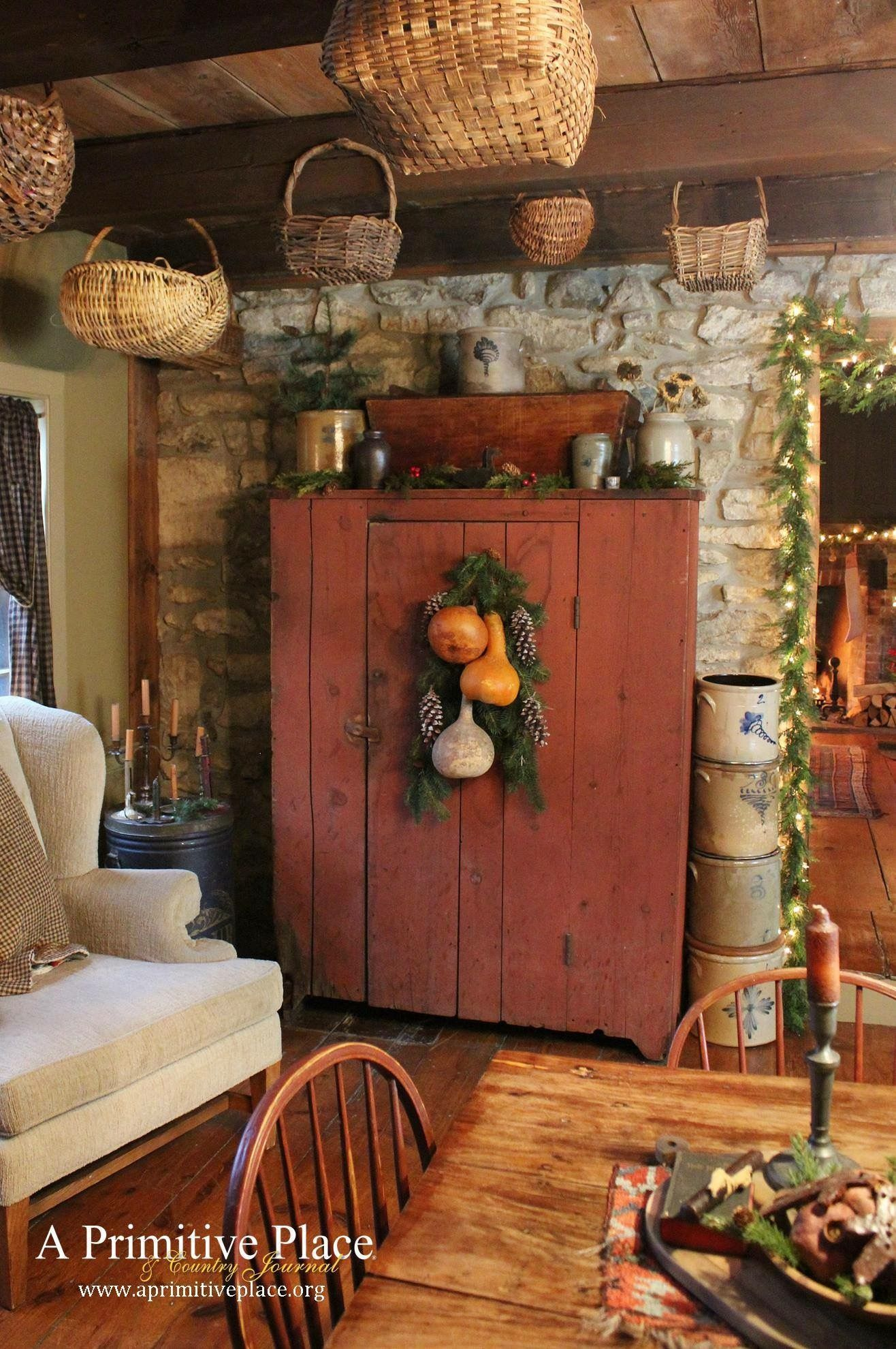 Just A Pic Love This Hutch The Color Look Rustic Primitive Dining RoomsPrimitive