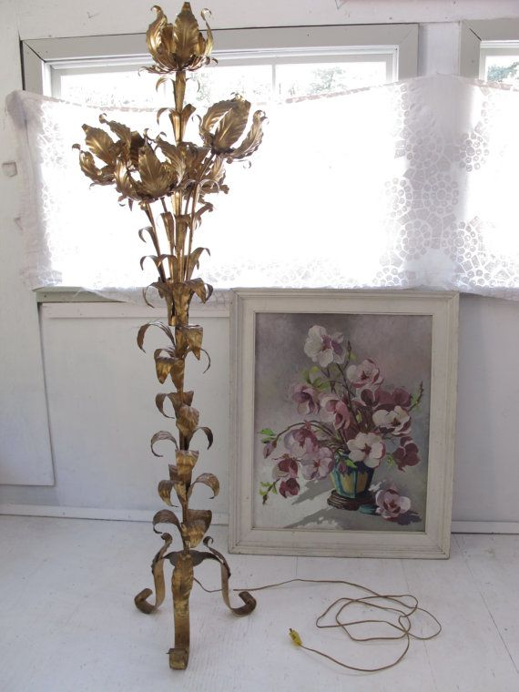 Reserve 4 joe metal flower floor lamp italian hollywood for Gold flower floor lamp