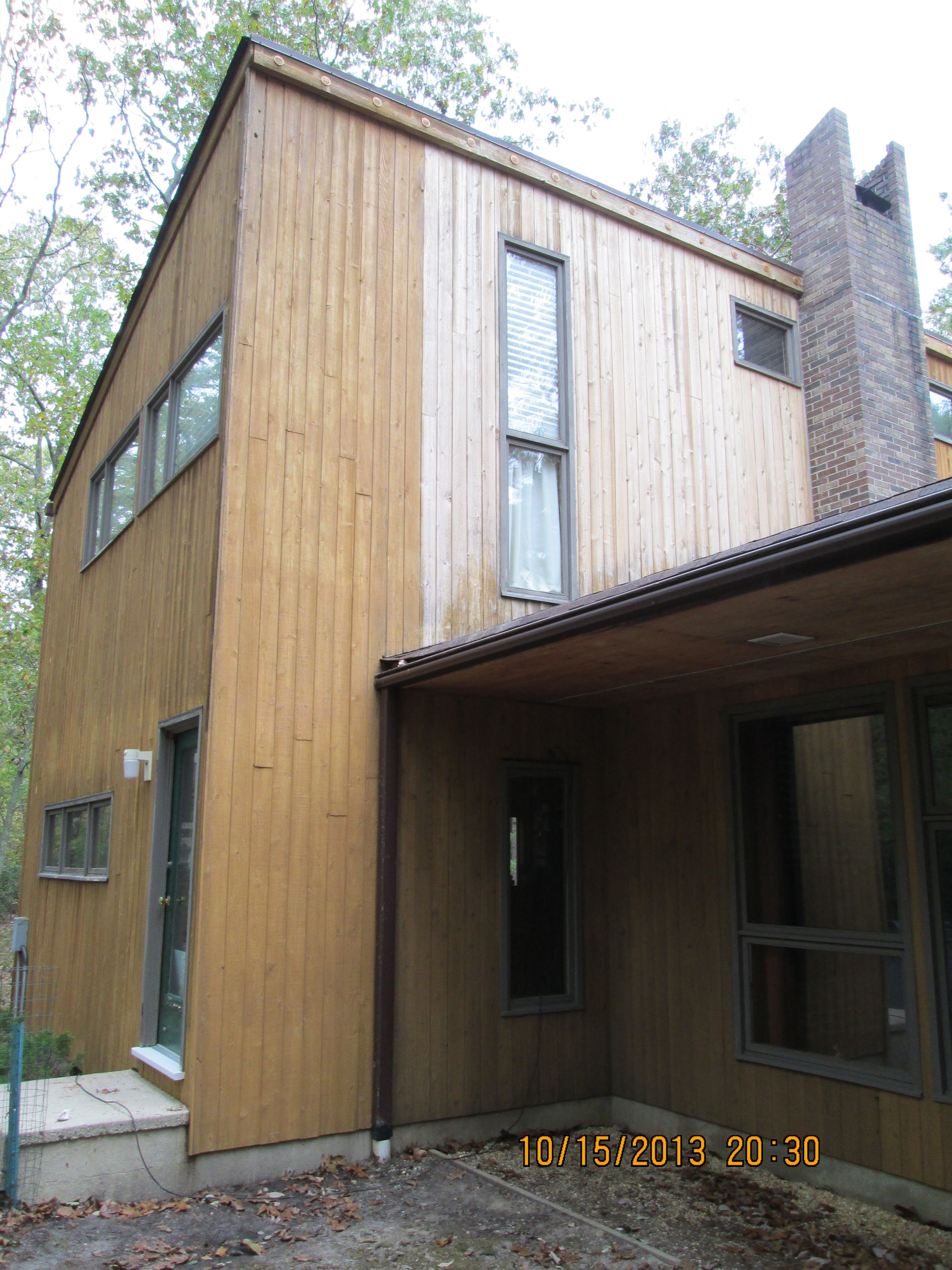 Wow Look At The Difference Deck Restoration Plus Deck Wood Stain Makes On This Cedar Sided Wood Home House In The Woods Deck Restoration Cedar Siding