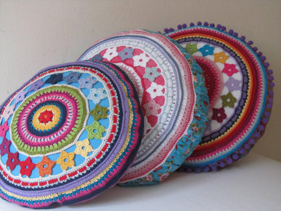 Round Crochet Pillow Cover with Flowers, PDF-Pattern | Ideas for the ...